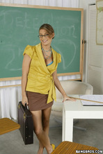 Bad Teacher Uncovered 00