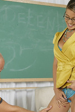 Bad Teacher Uncovered 04