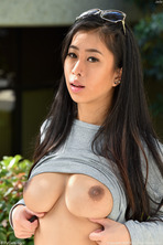 Focusing On Breasts 07