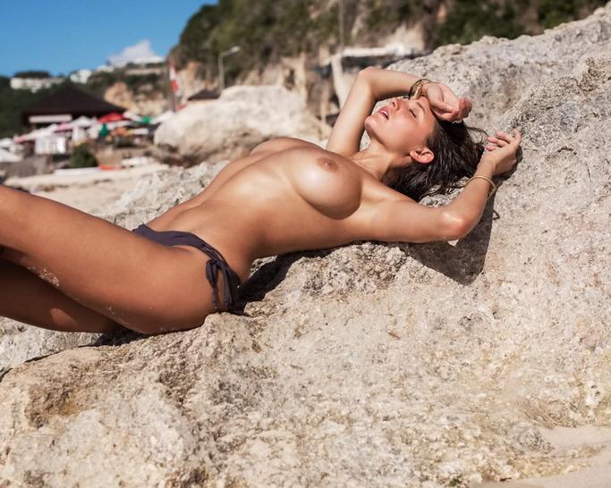 Brunette Model Alyssa Arce Flashes Her Big Boobs 00