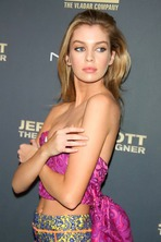 Beautiful Stella Maxwell  12