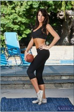Kortney Kane Taking Off Her Sport Outfit Outdoor 01