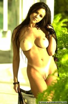 Lorissa McComas 06