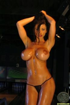 Veronika Zemanova 16