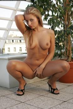 Andrea 12