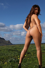 Krystal Webb Outdoor 07