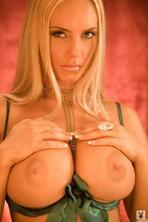 Nicole Austin Coco  01
