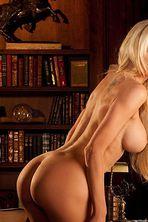 Nicolette Shea Perfectly Shaped Naked Body 03
