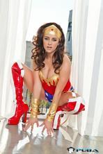 Taylor Vixen As Wonder Woman 02