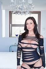 Kendra Lust Stunning Sexy MILF  00