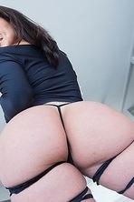 Kendra Lust Stunning Sexy MILF  01