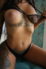 Gorgeous Tattooed Babe Lee 15