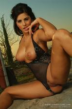Sexy Babe Sunny Leone 11