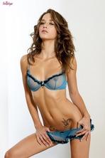 Malena Brunette Pussy 00