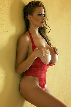 Jordan Carver Lady In Red