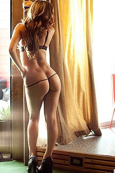 Sexy Playmate Jessika Alaurae