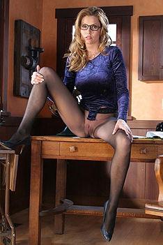 Jamie Lynn Purple Secretary