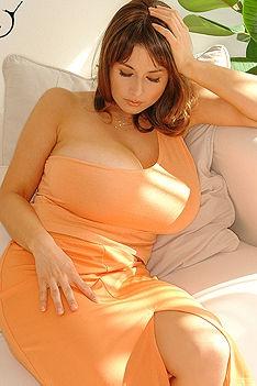 Chloe Vevrier Orange