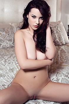 Elizabeth Marxs  Strips Off Her Sexy Lingerie