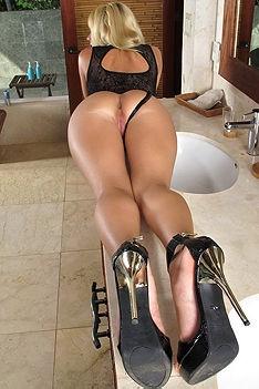 Tight Ass Blonde Nikki Lee