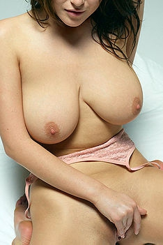 Busty Nude Babe In Pink Panties