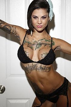 Tattooed Stockings Girl Bonnie Rotten
