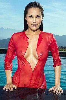 Raquel Pomplun Is A True Goddess