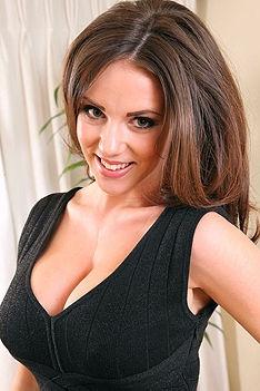 Delicious Brunette Rachel
