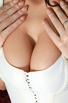 Teen With Huge Natural Boobs