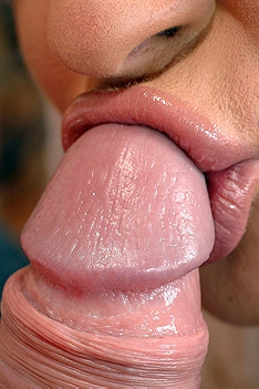 Hot Juicy Lips Around The Cock
