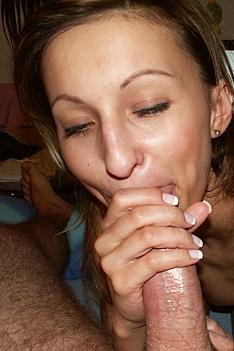 Kinky Amateur Housewife