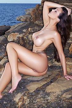 Helen De Muro On The Rocks