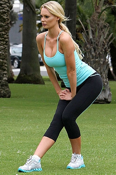 Sporty Celeb Sophie Turner