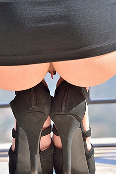 Nicki Erotic Pool Play