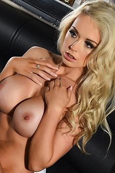 Gorgeous Blonde Alexa Grace