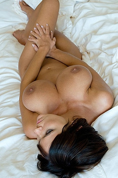 Gabrielle Nude In Bed