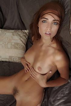 Zara Spreads Her Sexy Legs