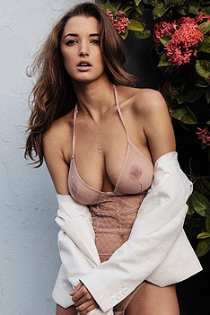 Busty Model Alyssa Arce