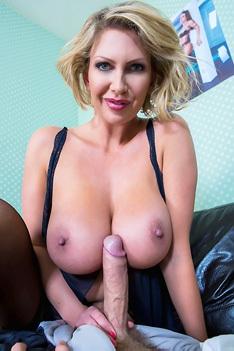 Busty Blonde Milf Leigh Darby