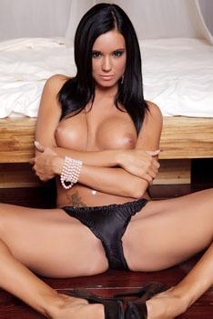 Beautiful Ashley Bulgari Spreading