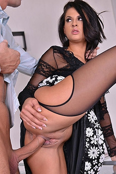 Leggy Pornstar Coco De Mal In Hardcore Threesome