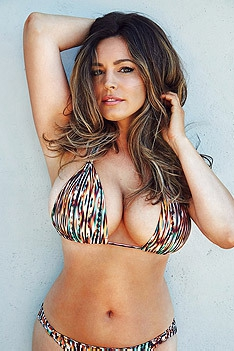 Busty Glamour Babe Kelly Brook