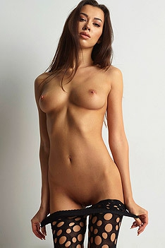 Nicolette Sexy Natural Tits