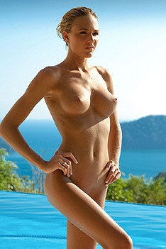 Hot Blonde Eliza Carson
